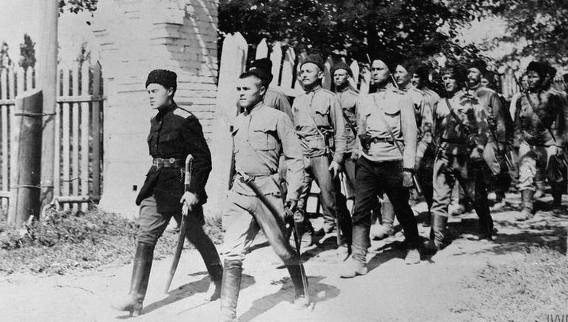 Казаки против большевиков